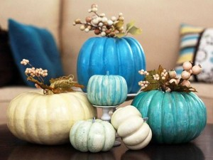 A-painted-pumpkin-centerpiece